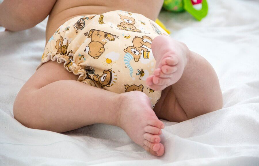 The Advantages and Disadvantages of Reusable Cloth Diapers