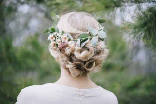 semi-crown bridal hairstyles