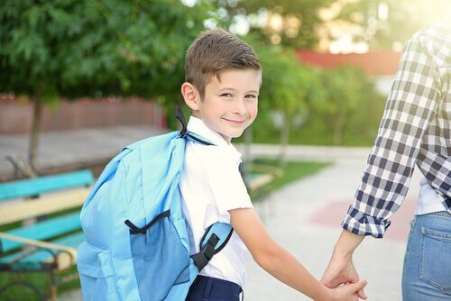 How to Pack a Backpack for School