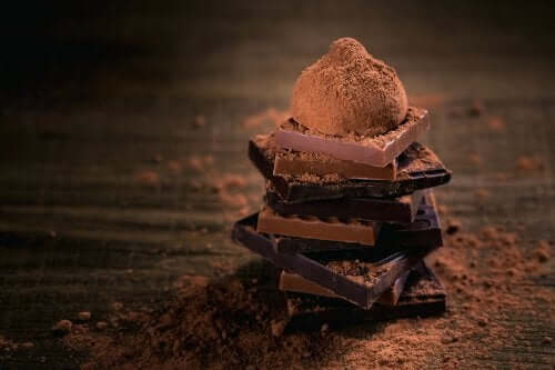 Why Is It Good to Eat Dark Chocolate?