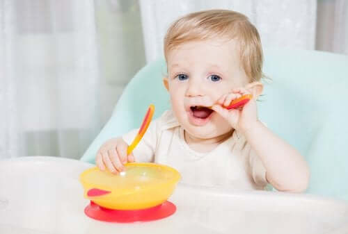 6 Important Baby Feeding Items to Have at Home