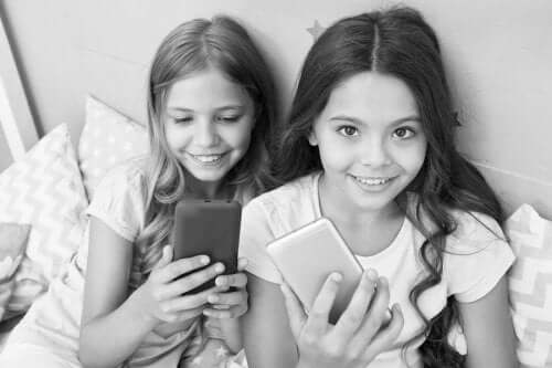 The Risks of Instagram for Children and Teenagers