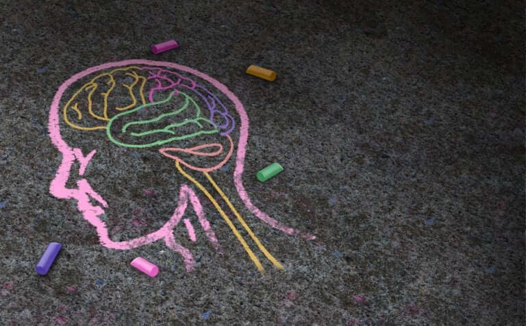A head drawn in chalk.