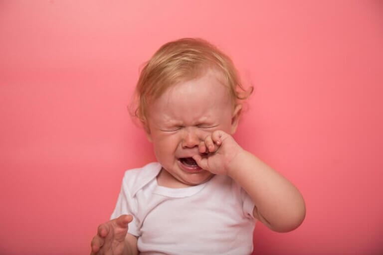 What Are the Symptoms of Teething in a Baby?