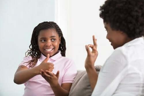Communication Systems for Deaf Children
