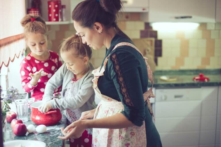 12 Ideas to Be a Fun Mom