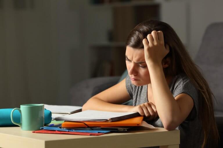 How to Know If Your Teenager Is Exhausted and Stressed