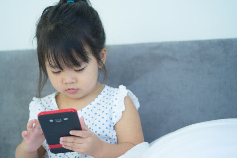 How to Keep Your Phone Childproof