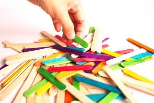 5 Children's Crafts with Ice Cream Sticks