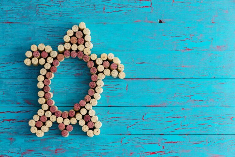 4 Crafts with Cork Stoppers