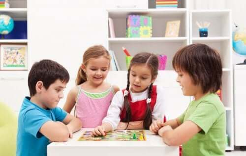 4 Educational Games to Play With Your Family