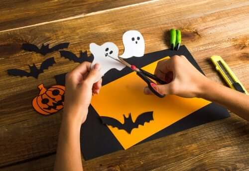 Some Terrifically Fun Crafts for Halloween