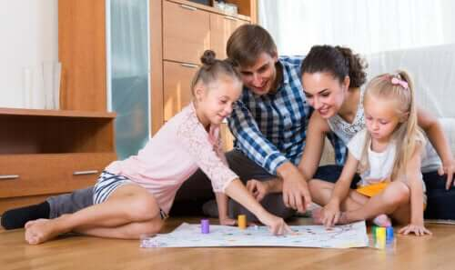 6 Great Pen and Paper Games to Play as a Family