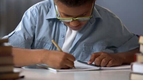 Childhood Dyslexia: Symptoms, Causes and Treatment