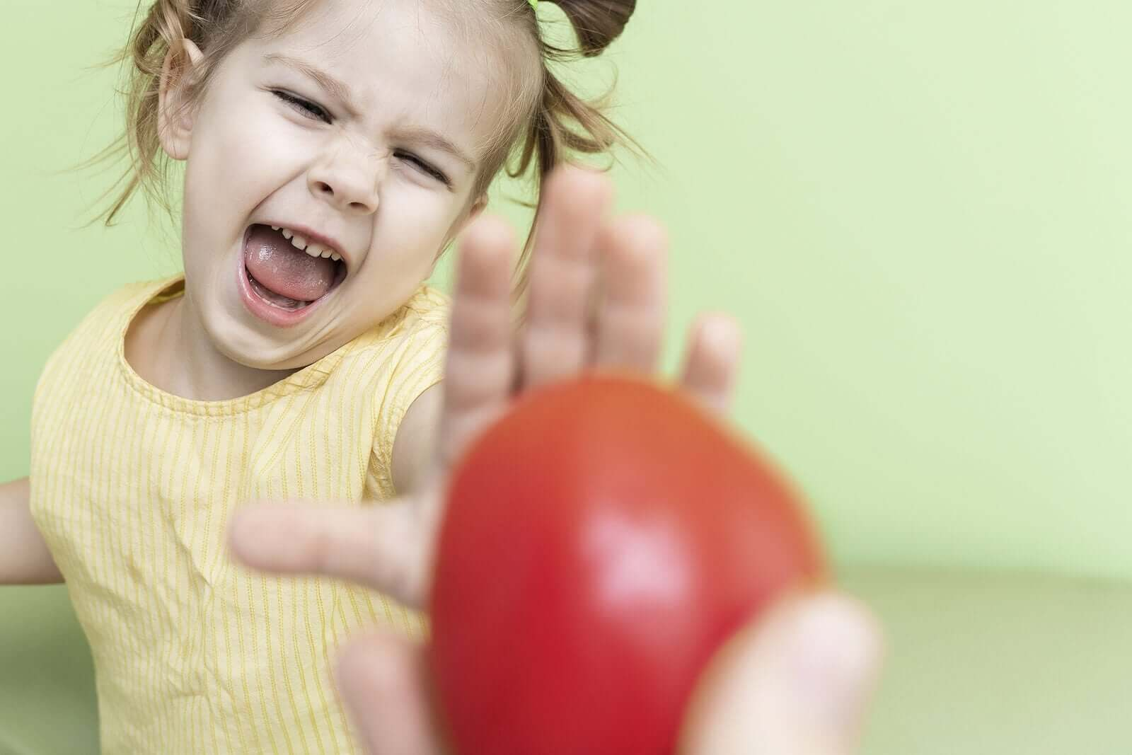 My Child Is Scared of Choking While Eating: What Can I Do?