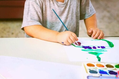 How to Analyze Children's Drawings According to the Colors They Use
