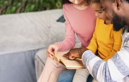 Why Reading Aloud with Your Children Every Day Is Necessary