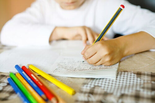 Why It's Good that Your Children Learn Handwriting