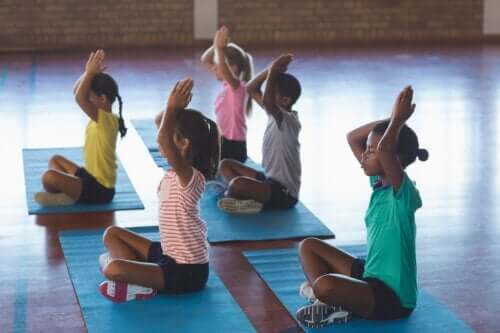 Yoga in the Classroom: Keys and Benefits