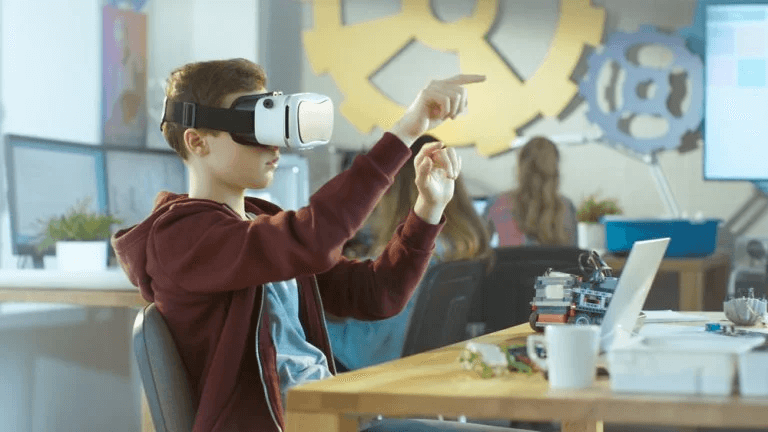 Virtual and Augmented Reality in the Classroom: Benefits and Limitations