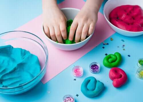 Recipes to Make Playdough at Home
