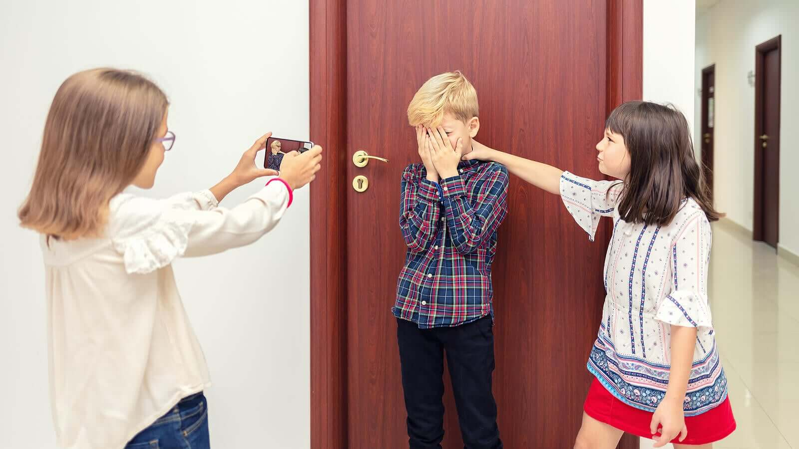 8 Tips to Overcome the Consequences of Bullying