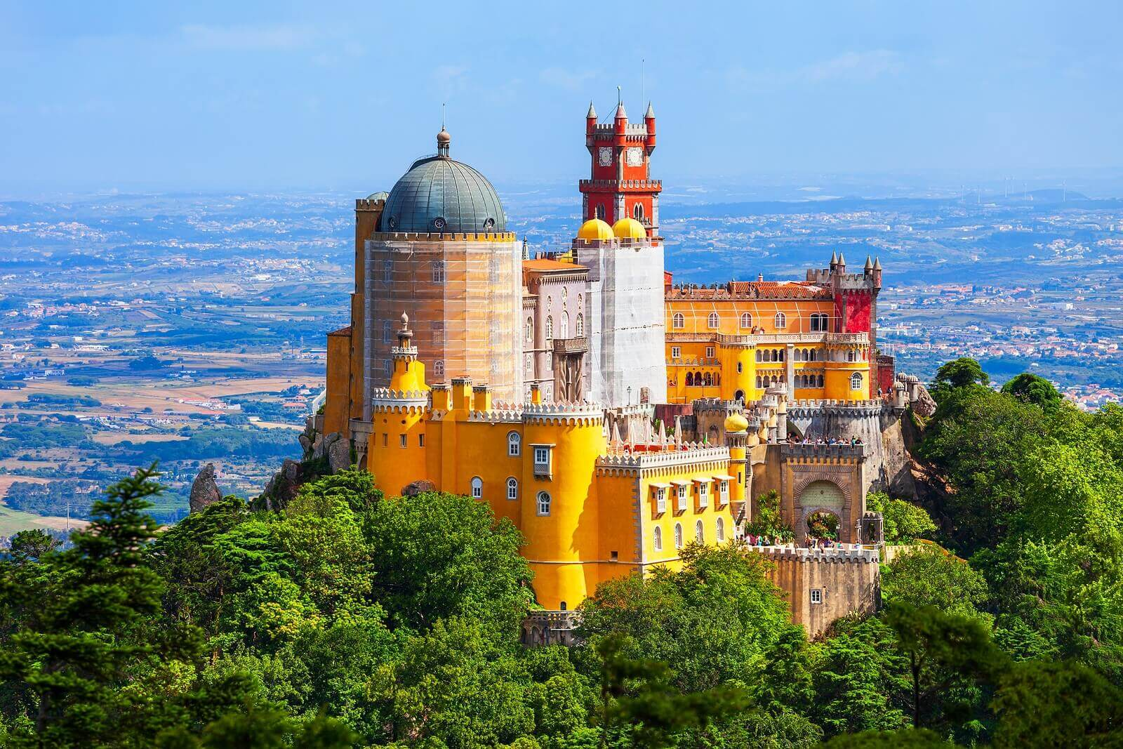 6 Fairytale Castles to Visit with Your Children