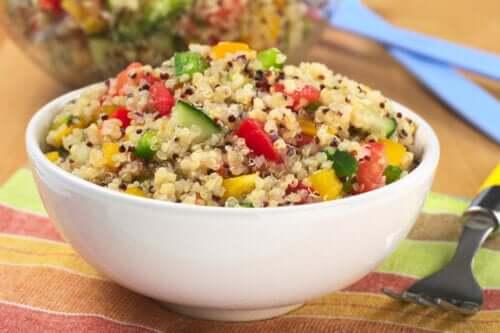 Quinoasalade met weinig fructose