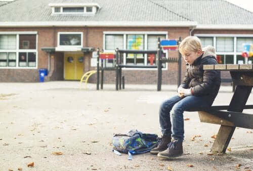 What to Do If Your Child Doesn't Play with Anyone at School
