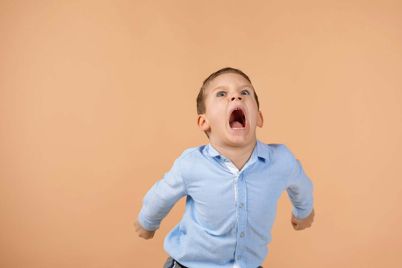 4 Tips to Stop Your Child from Screaming in Public