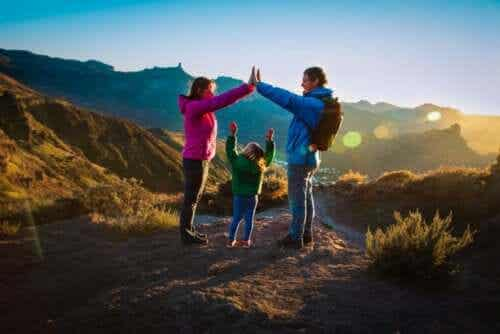 6 Things to Pack for a Family Outing