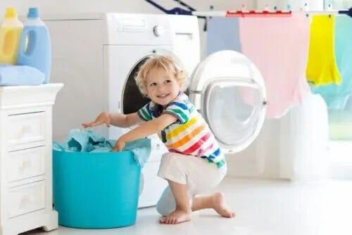 Simple Chores that a Toddler Can Do