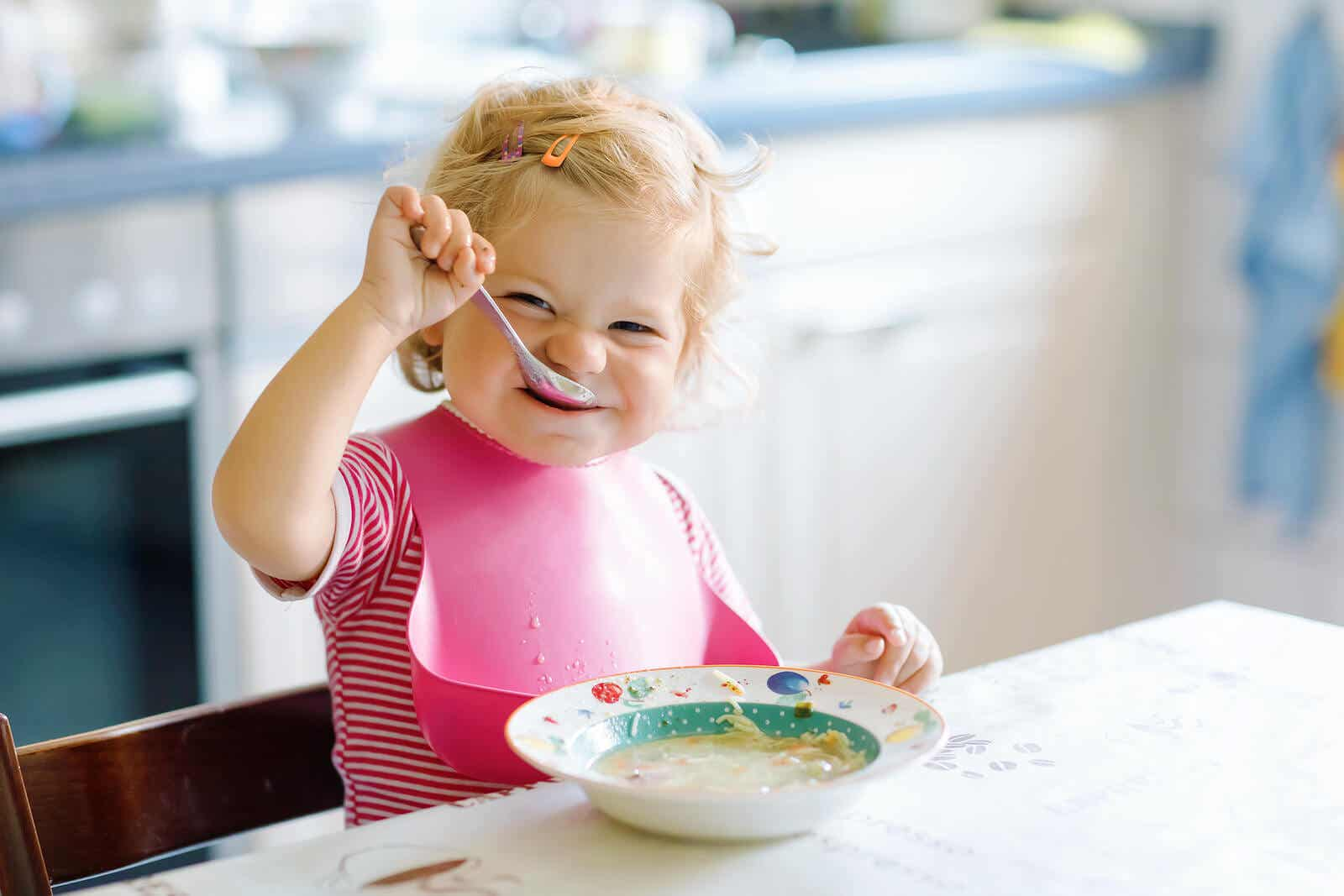 Piger spiser selv