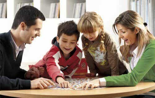 4 Observation Games to Have Fun at Home