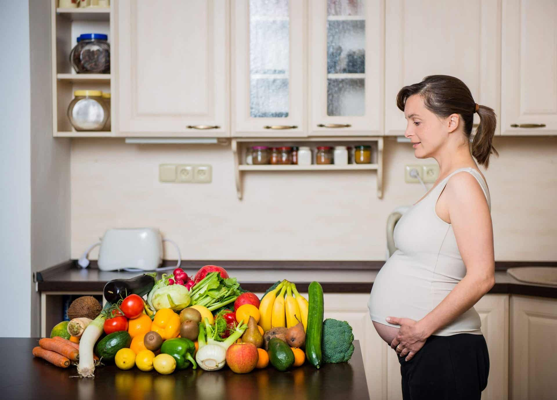 The Importance of Green Leafy Vegetables During Pregnancy