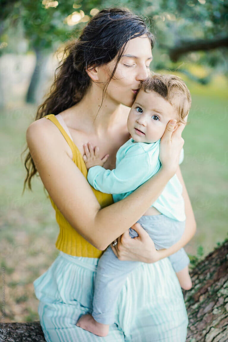 Hugging your Baby: Effects on a Mother's Brain