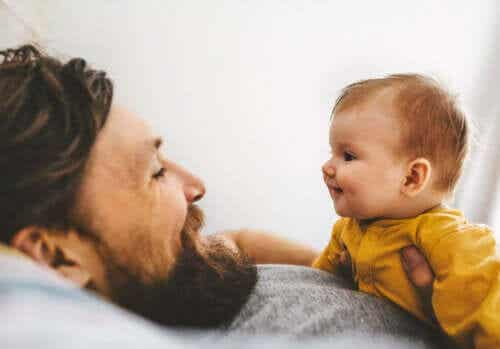 Baby Signing: Communicating With Your Baby