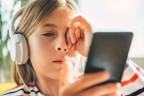 3 Tips to Manage Digital Stress in Children and Teenagers