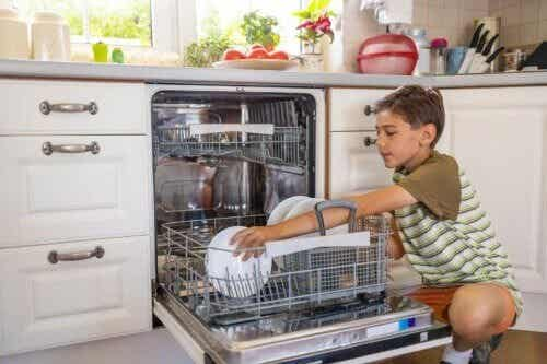 What Responsibilities Can 7-Year-Old Children Assume?