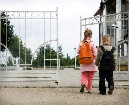 8 Mistakes Parents Make On the First Days of School