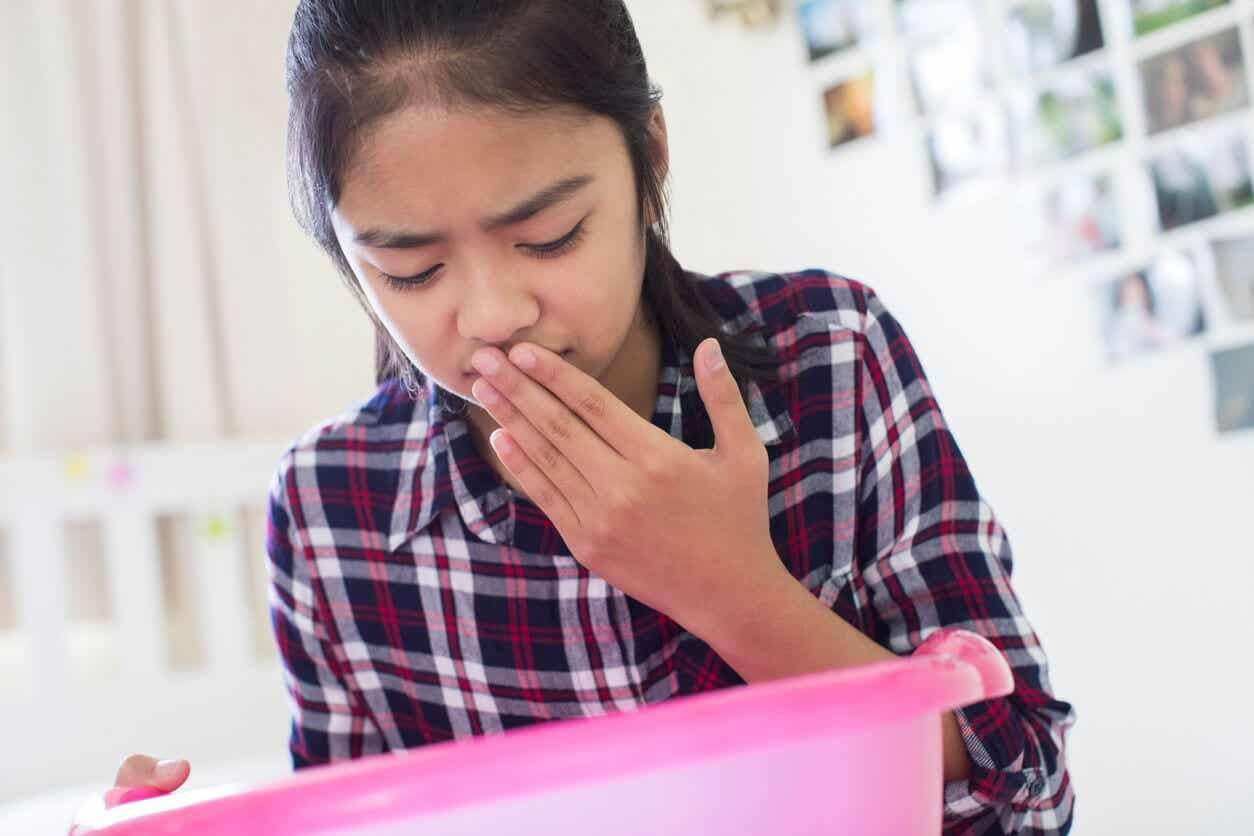 Meisje met gastro-enteritis, een van de meest voorkomende spijsverteringsstoornissen
