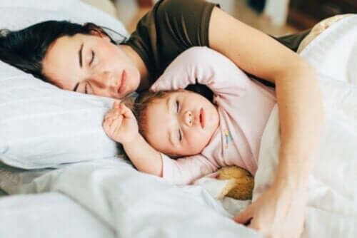 How to Transition from Co-Sleeping to a Bed