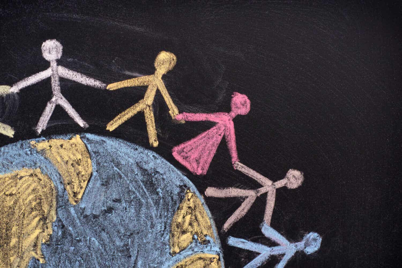 Krijttekening om diversiteit en mensenrechten te tonen.