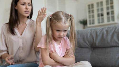 32 Phrases That You Should Never Say to Your Children