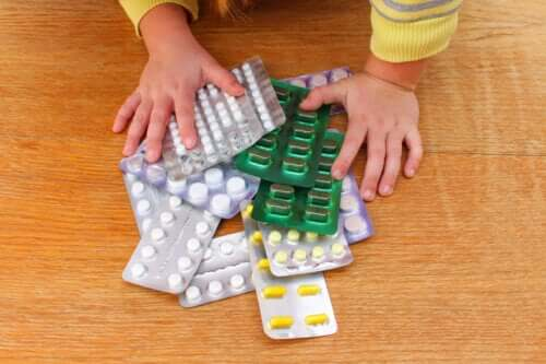 How to Act in Case of Poisoning in Children?