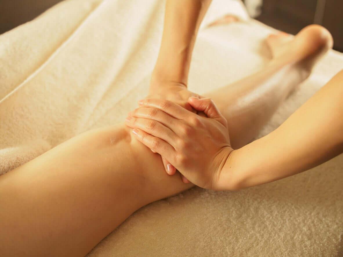 Een beenmassage is lekker om ongemak te verlichten