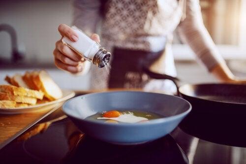 Should We Add Salt to Children's Food?