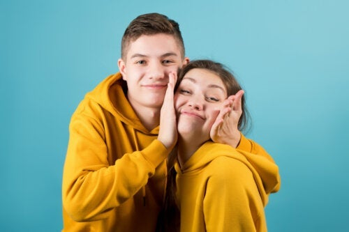 54 Phrases to Dedicate to Siblings