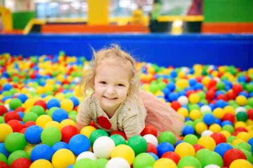 4 Benefits of Ball Pits for Kids