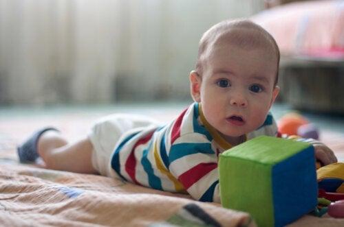 4 Exercises to Strengthen Babies' Necks